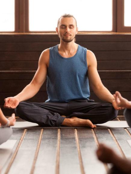 Monitor De Yoga + Máster En Coaching Deportivo